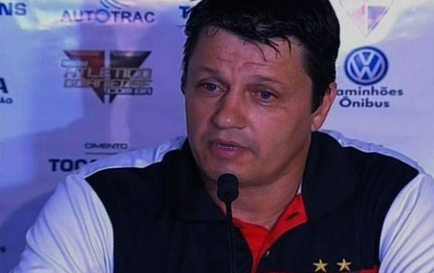 Adilson Batista, técnico do Atlético-GO (Foto: Reprodução / SporTV)