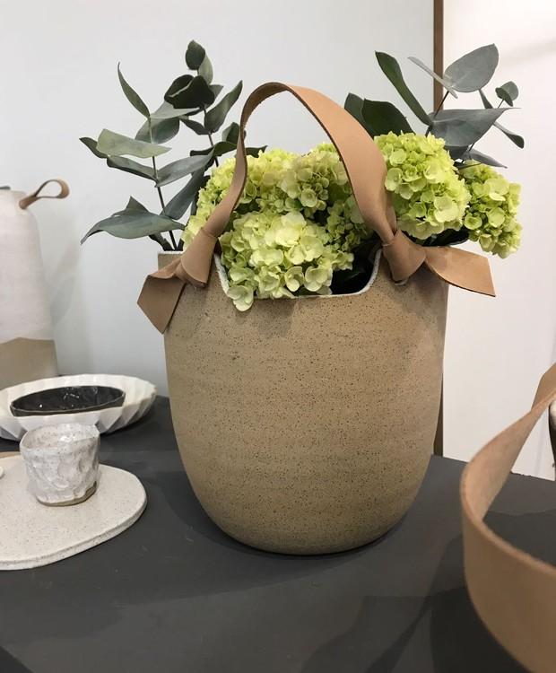 Vaso de cerâmica, de Carolina Peraça (Foto: Casa e Jardim)
