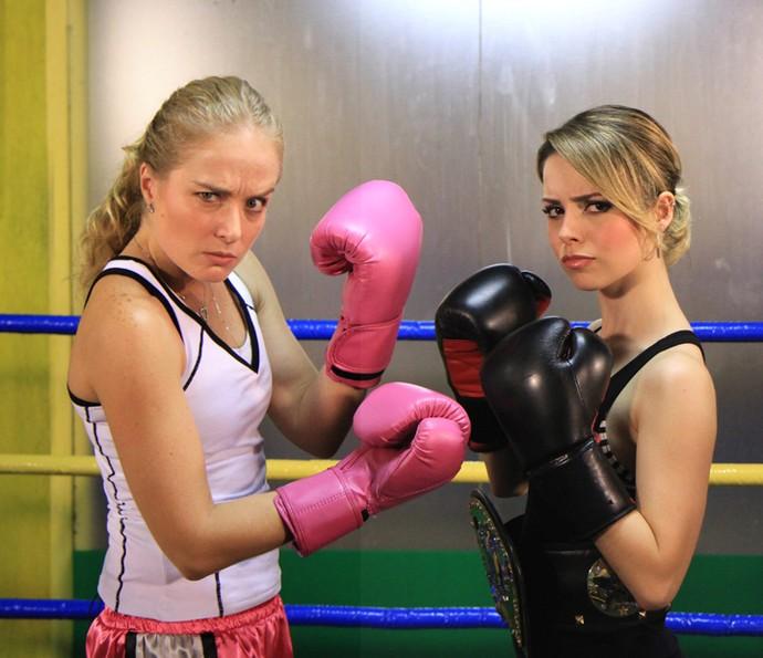 Angélica e Sandy lutam boxe  (Foto: CEDOC/TV Globo)