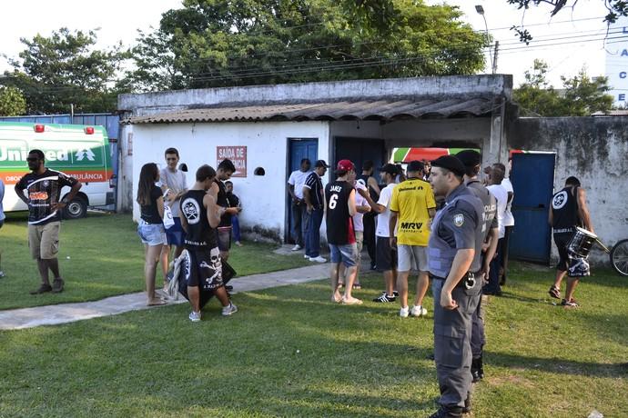 Sem jogo, clube promoveu a devolução da quantia paga pelos ingresso (Foto: Sidney Magno Novo/Globoesporte.com)