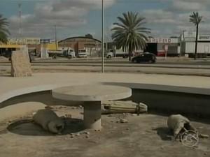 Carrancas foram quebradas (Foto: Reprodução/TV Grande Rio)