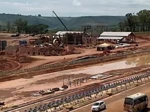 Mineradora em Serra do Salitre (Foto: TV Integração/Reprodução)