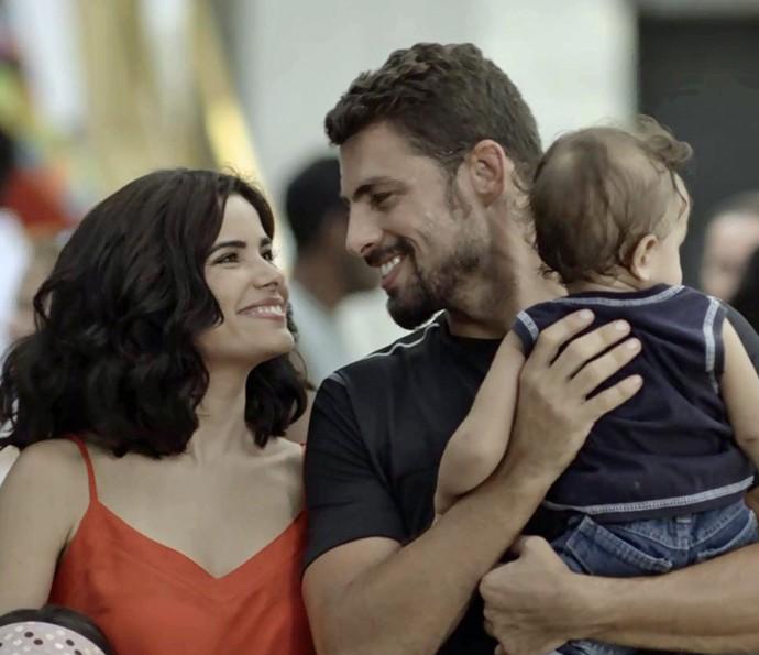 Tóia e Juliano comemoram a inauguração do hospital (Foto: Globo)
