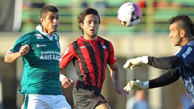 Gabriel Marques e Egídio, Atlético-PR x Goias (Foto: Heuler Andrey / Agência Estado)