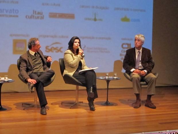 Ivan Giannini, do Sesc (à esq.), Karina Pansa, da CBL, e Paulo Octavio Pereira de Almeida, da Reed, durante coletiva de imprensa da Bienal do Livro de SP (Foto: Cauê Muraro/G1)