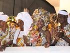 Devoção, fé e tradição levam milhares  ao cortejo do Ilê Aiyê em Salvador