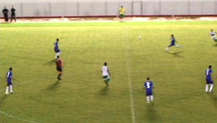gessé gol meio campo acre  Atlético-AC (Foto: Reprodução )