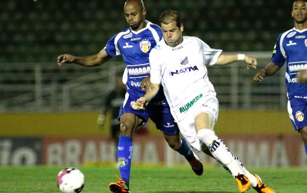 Tiago Luis, Bragantino e Barueri (Foto: Luis Moura / Agência Estado)