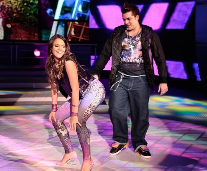 Bruna Marquezine dança funk com Átila Amaral no 'Dança 2013' (Foto: Gshow)