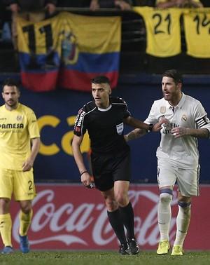 Cristiano Ronaldo gol pênalti Real Madrid Villarreal (Foto: EFE)