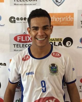 Só faltou fazer chover: Mateus foi o nome do jogo com três gols (Foto: Divulgação)