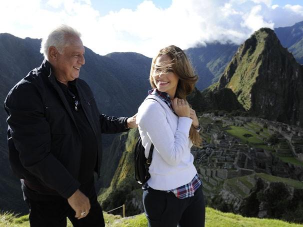 Antônio Fagundes e Paolla Oliveira em Macchu Pichu (Foto: Estevam Avellar / TV Globo)