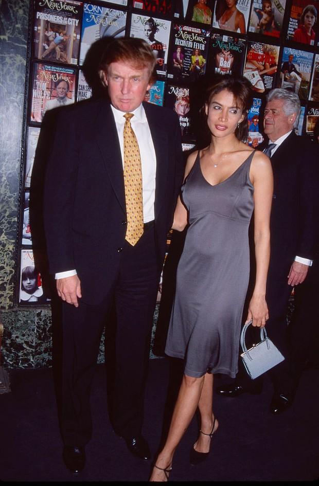 Donald Trump com Kara Young em abril de 1998 em Nova York (Foto: Getty Images)