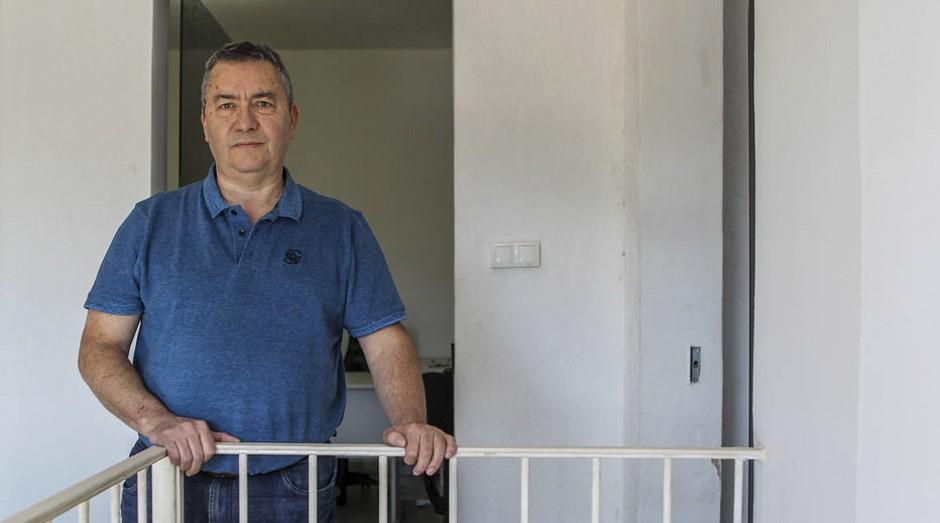 Conta alta. O microempresário da área de alimentos Sebastião do Nascimento teve seu plano aumentado acima do limite (Foto: Estadão Conteúdo)