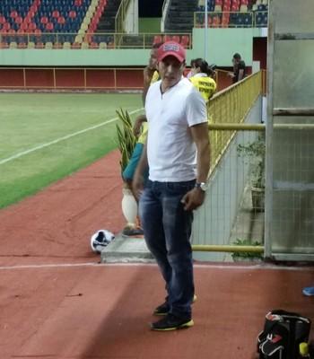 Carlos Cardenas, o Pollo, técnico do Alto Acre (Foto: Duaine Rodrigues)