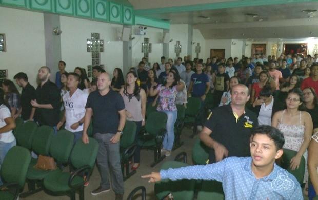 Juventude tem participação atuante nas atividades religiosas, em várias igrejas do Acre (Foto: Bom Dia Amazônia)