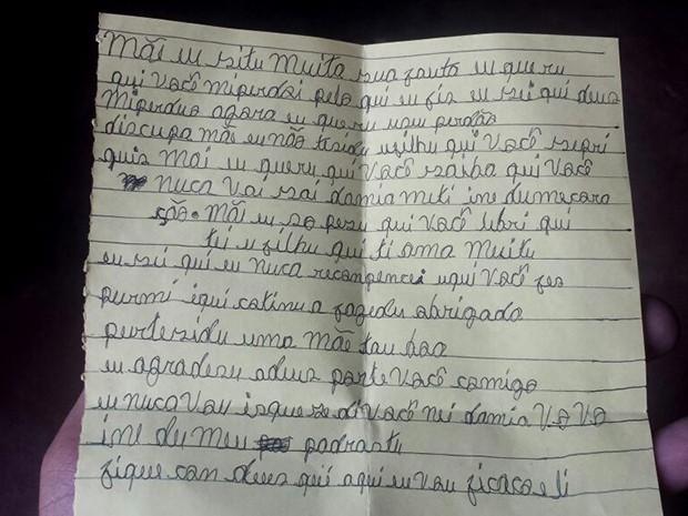 Carta foi entregue à mãe durante visita antes da transferência de Gleison para o CEM (Foto: Ronaldo Mota)