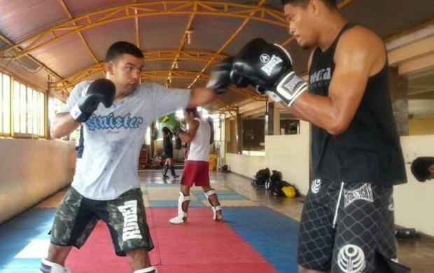 Ildemar Marajó treina para a final do peso-médio (até 84kg) do Jungle Fight (Foto: Reprodução / Twitter)