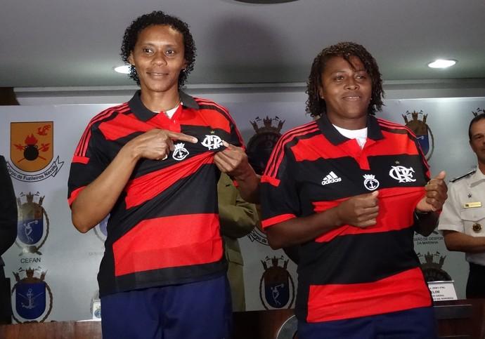 Tânia Maranhão e Maycon vestem a camisa do Flamengo (Foto: Jessica Mello)