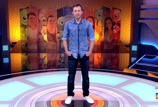 Tiago Leifert na noite de estreia do BBB17 (Foto: Reprodução Tv Globo)