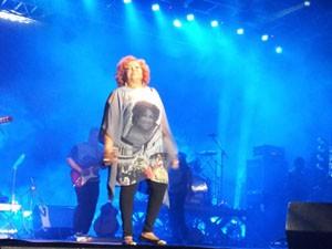A cantora Alcione se apresentouo ontem (29) na Lagoa da Jansen (Foto: Reprodução)