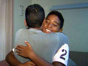 Alison e Leandro se apoiam um no outro para superar as dificuldades (Foto: Antônio Luiz/ EPTV)