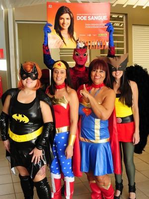Super-heróis ajudam doadores de sangue e de medula óssea em Piracicaba (Foto: Antonio Trivelin/arquivo pessoal)
