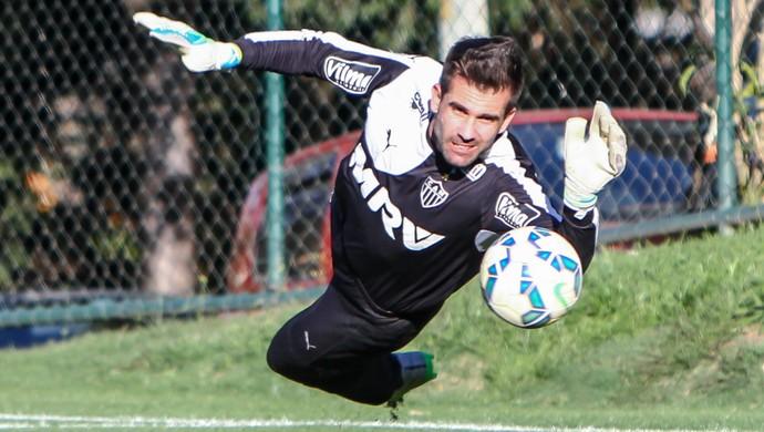Goleiro Victor em ação durante treino do Atlético-MG (Foto: Bruno Cantini/Flickr do Galo)
