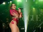 Famosos se divertem ao som de Anitta em baile de carnaval em São Paulo