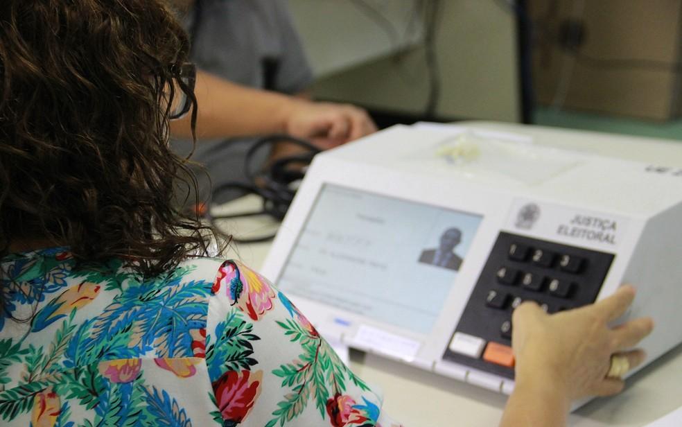 Eleitores com três ausências nas últimas eleiçõres têm até 2 de maio para regularizar situação (Foto: Indiara Bessa/G1 AM)
