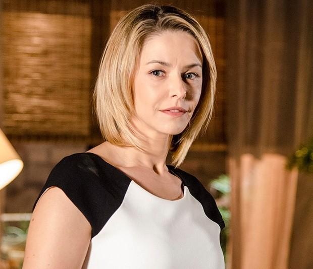 Bianca Rinaldi durante a novela Em Família ouviu que teria colocado botox na boca  (Foto: Ellen Soares/TV Globo)
