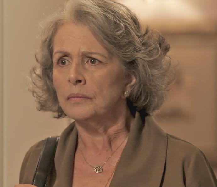 Vitória fica estarrecida com confissão de Luís (Foto: TV Globo)