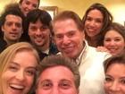 Luciano Huck posta selfie com Angélica e Silvio Santos
