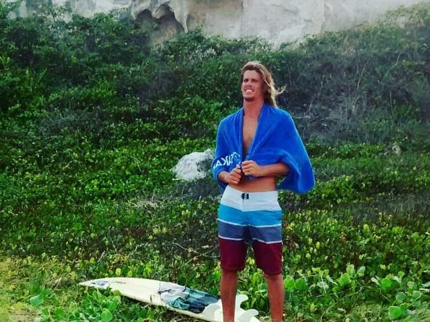 Leo Morais é surfista profissional e havia saído para pescar (Foto: Associação de Surfistas da Praia da Pipa)