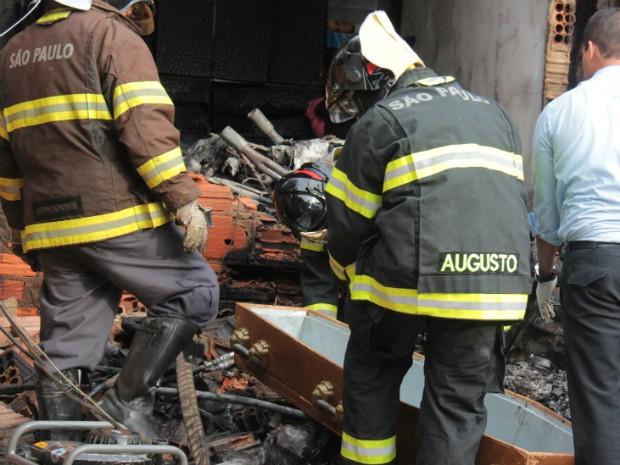 Ultraleve explodiu com a queda (Foto: Divulgação / Jornal Ita News)