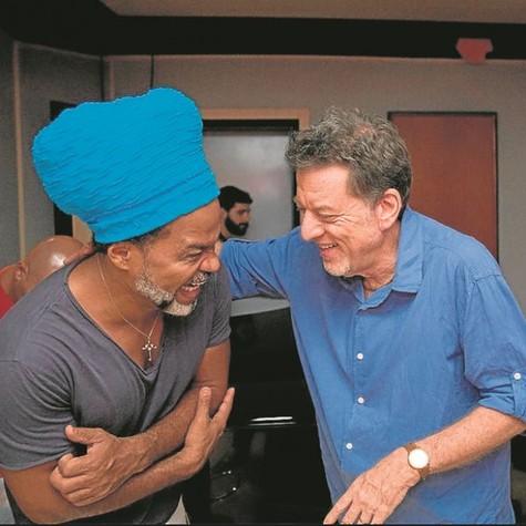 Carlinhos Brown e Leo Gandelman (Foto: Gianne Carvalho/Canal BIS)