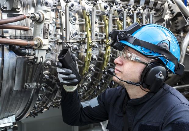 A General Electric já utiliza a tecnologia de realidade aumentada (Foto: GE Reports)
