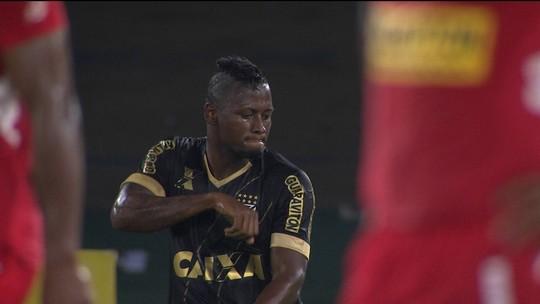 Ausência de Leandrão na Copa do Brasil abre vaga para volta de Riascos