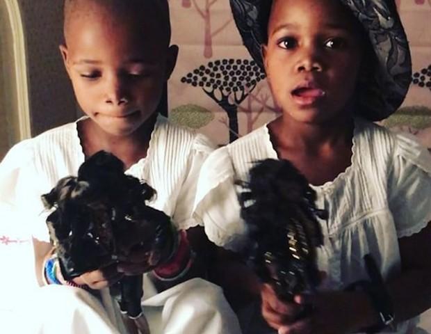 Stella e Esther, filhas de Madonna (Foto: Reprodução / instagram)