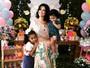 Samara Felippo faz festa de aniversário para as duas filhas
