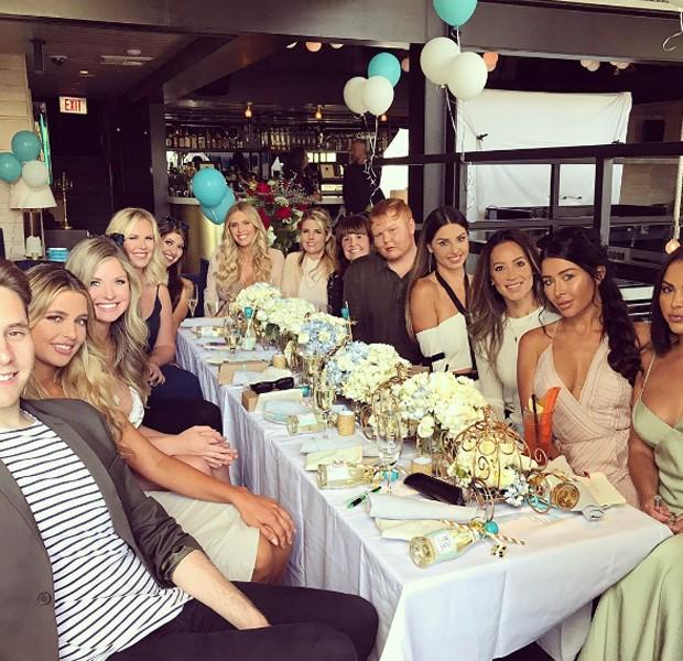 Ryan, Kayla com amigos e familiares (Foto: Reprodução/Instagram)