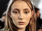 Maquiador dá dicas para usar sombra colorida: 'Apenas na pálpebra móvel'
