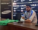 """Zagueiro Vilson chora com tragédia na Chapecoense: """"Eu poderia estar junto"""""""