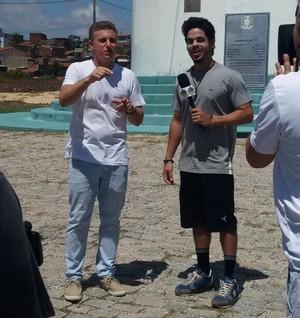 Leo Souza e Luciano Huck (Foto: Tulio Oliveira / Rota Inter TV)