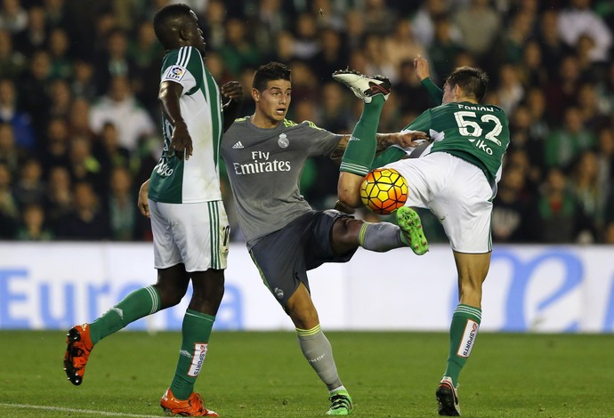 James Rodriguez gave assistance to Benzema in Real's draw with Betis (Photo: REUTERS)