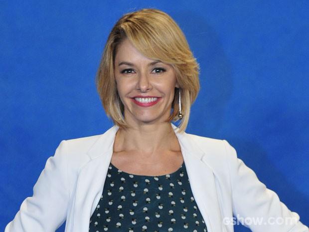 Bianca Rinaldi: curto, loiro e de franja para viver a médica Silvia (Foto: Alex Carvalho/TV Globo)