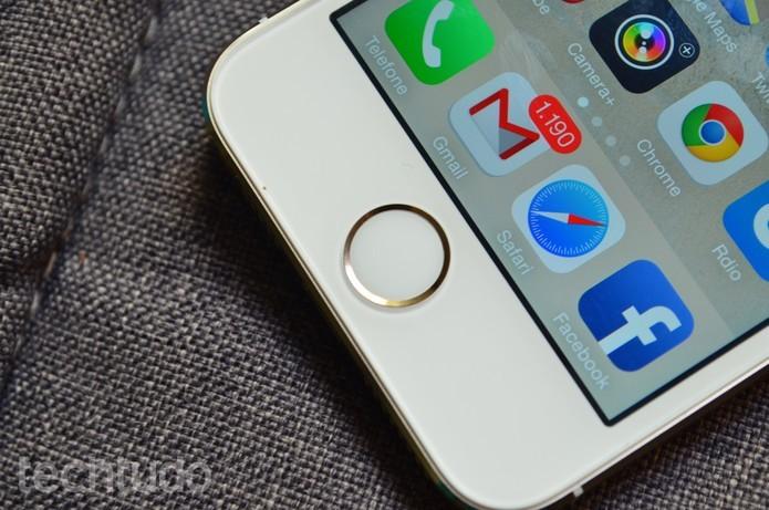 iPhone 5S está com sistema atualizado para o iOS 9 (Foto: Luciana Maline/TechTudo)