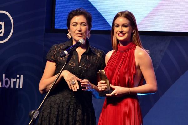 Marina Ruy Barbosa faz discurso na web para agradecer prêmio