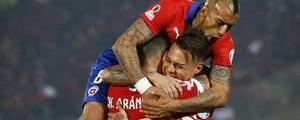 Chile vence o Peru por 2 a 1  e vai à final da Copa América (AP Photo/Andre Penner)