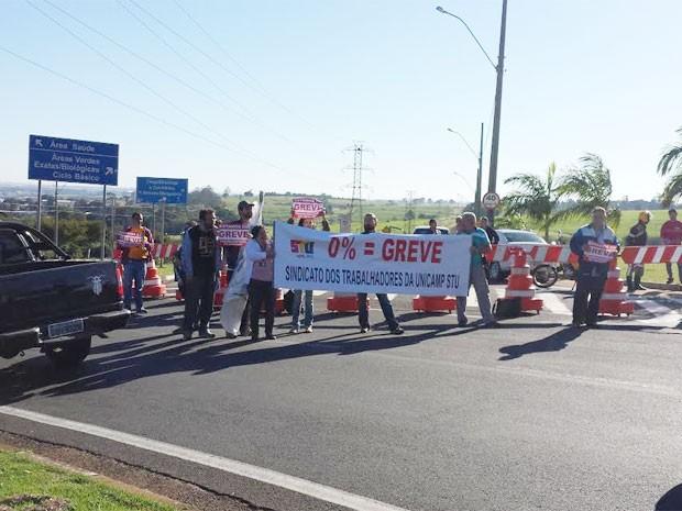 Funcionários da Unicamp fecham portarias que dão acesso à universidade em Campinas  (Foto: Sindicato dos Trabalhadores da Unicamp )